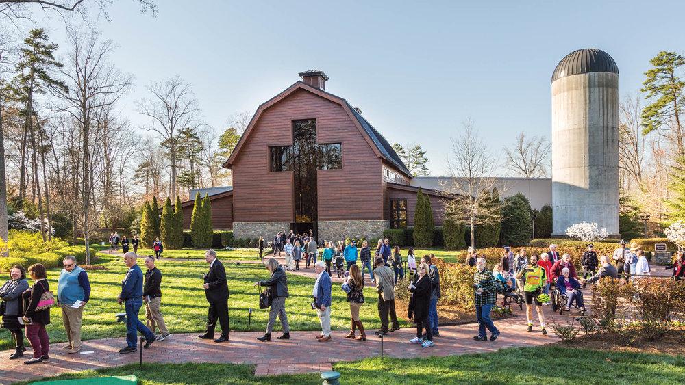 Billy Graham Memorial Exhibit Mourners.jpg