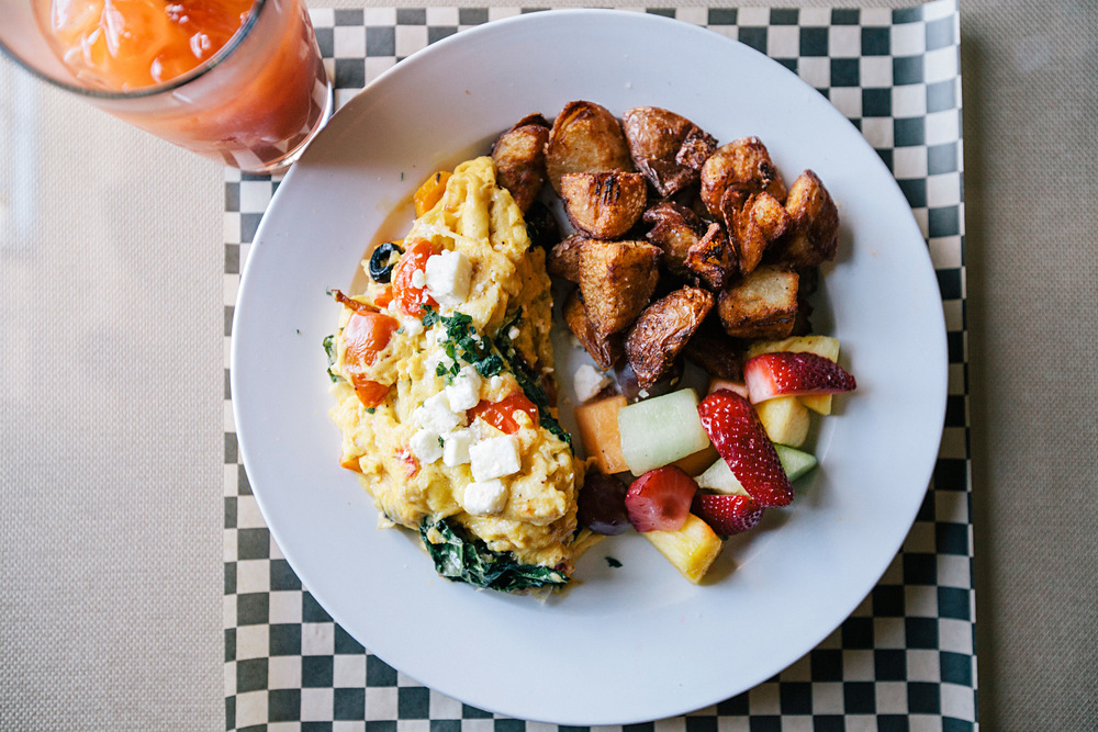 farmers-scramble-fruit-house-potatoes-breakfast-all-day-cottonwood-cafe.jpg