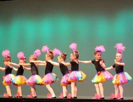 Our Preschool Dance Program has been giving tiny dancers a great first dance experience for many years.  Art in Motion it is not just about dance - it is about teaching skills to carry over on all areas of life.