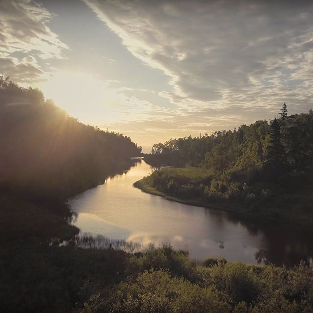 "Hello, world. Here's our debut single, ""Melville's Theme."" Captured through the impossible lens of @danhuiting all over Minnesota's north shore. We hope you like watching & listening as much as we like living & making music here. bit.ly/MelvillesTheme  #ExploreMN #OnlyInMN"