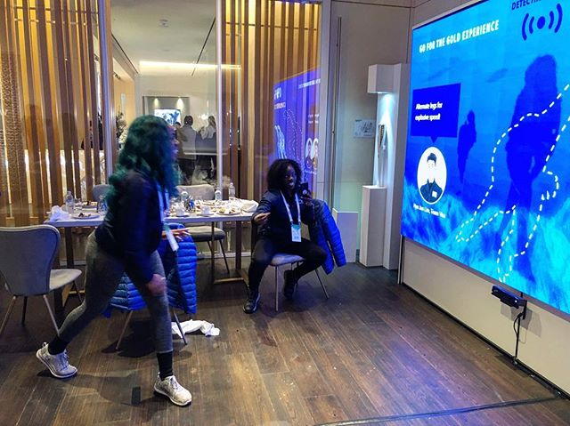 Team @bsfnigeria trying our interactive experience at #Pyeongchang2018 🇳🇬 #olympics #visagoforgold #athlete #nigeria #winterolympics #technology #marketing #visa #agencylife #adagency #bobsled #sportswear #athletelife