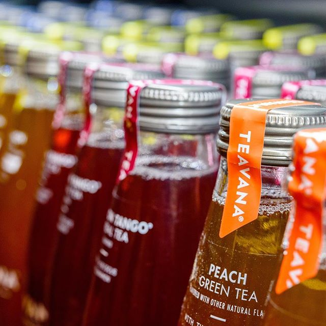 Two new flavors from @teavanatea craft tea are about to drop. Can you guess what they will be? ✨✨✨ . . . #tea #teavana #starbucks #bts #behindthescenes #onset #setlife #agencylife #icetea #thirsty #breakingnews #marketing #adagency #adlife #delicious #instafood #instagood