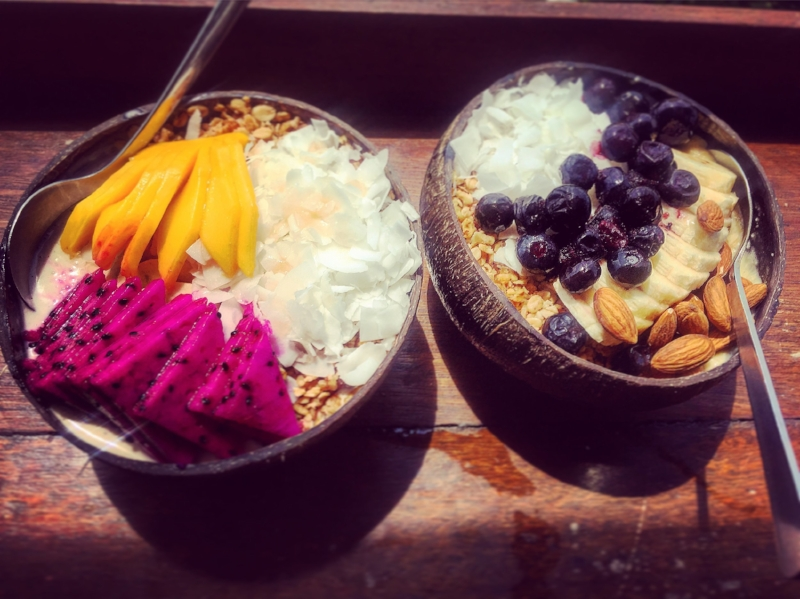 Nalu Bowls - my favorites: a mix of smoothie, fruits and toppings to choose