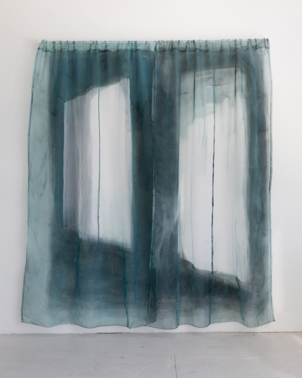 Aglae Bassens, Lone Curtains
