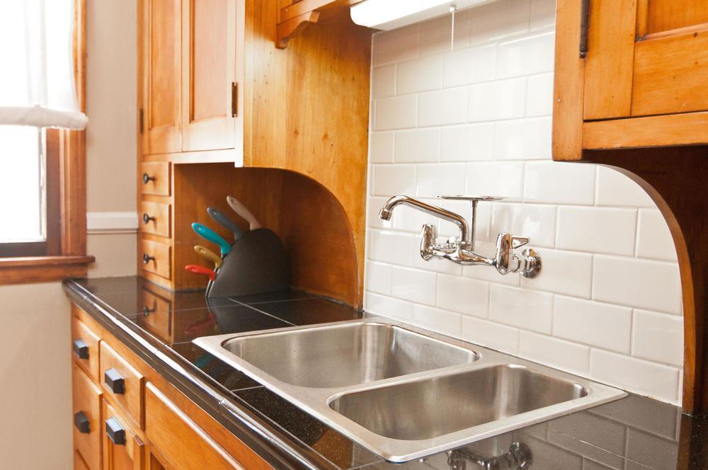 1015B Kitchen Sink.jpg