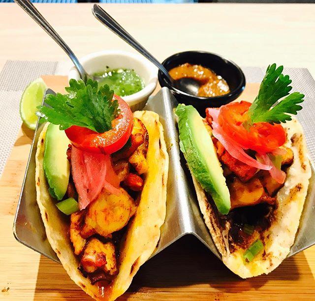 "Our favorite Day of the week "" Taco Tuesday"" Te esperamos a disfrutar nuestras tacos en su día especial😉 . . . . . . #habaneromexicancuisine #mexicanfood #foodporn #foodie #foodnycity #montthave #southbronx #foodbronx #yum #eatingnyc #feedyoursoul#foodshot #foodstagram #southbronx#bronx #exploringflavors  #mexicanfood #seriuscook #eatlovenyc #chef#cheflife#chefstalk#shrimp#camarones#michelineguide"