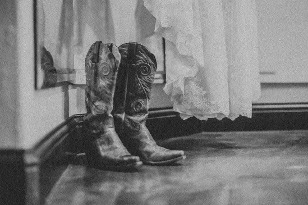 aephotography_Dallas_wedding_KateandJames-3.jpg