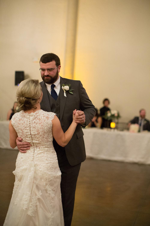 aephotography_Dallas_wedding_KateandJames-24.jpg