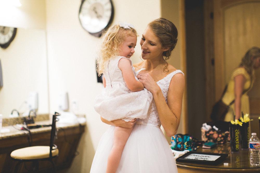 AEPhotography_LoganKaitlyn_Wedding-0837.jpg