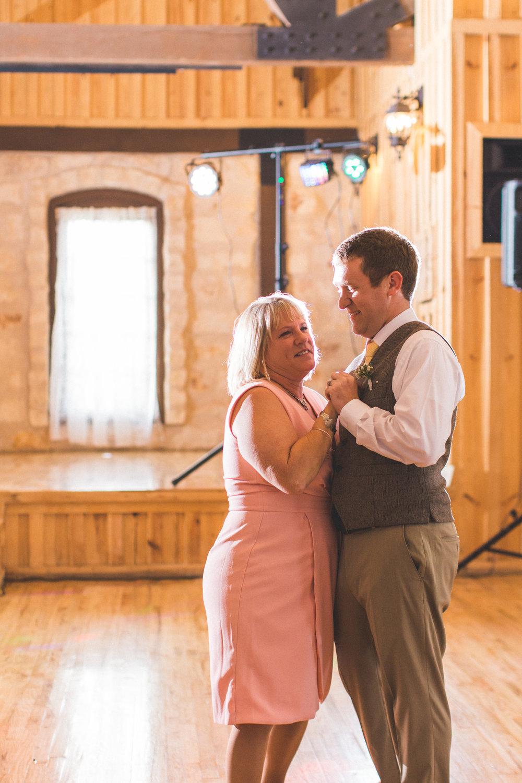 AEPhotography_LoganKaitlyn_Wedding-1148.jpg