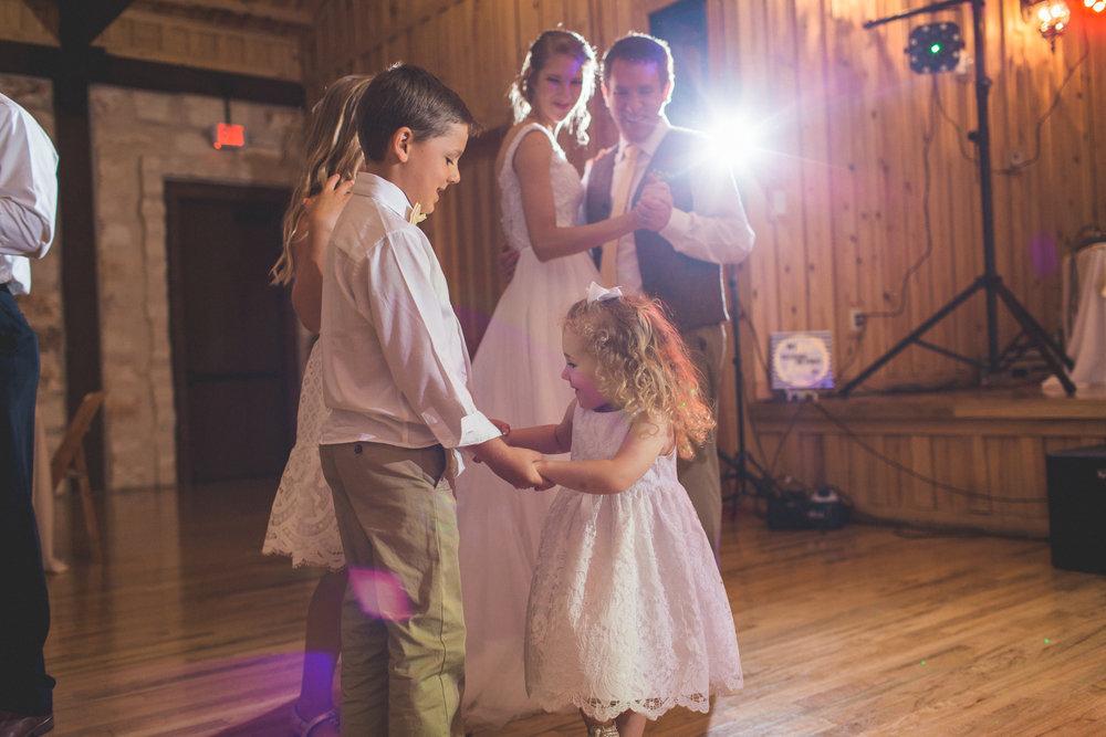 AEPhotography_LoganKaitlyn_Wedding-2907.jpg