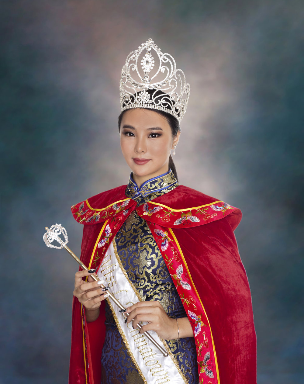 Queen and Miss Photogenic: Angela Liu