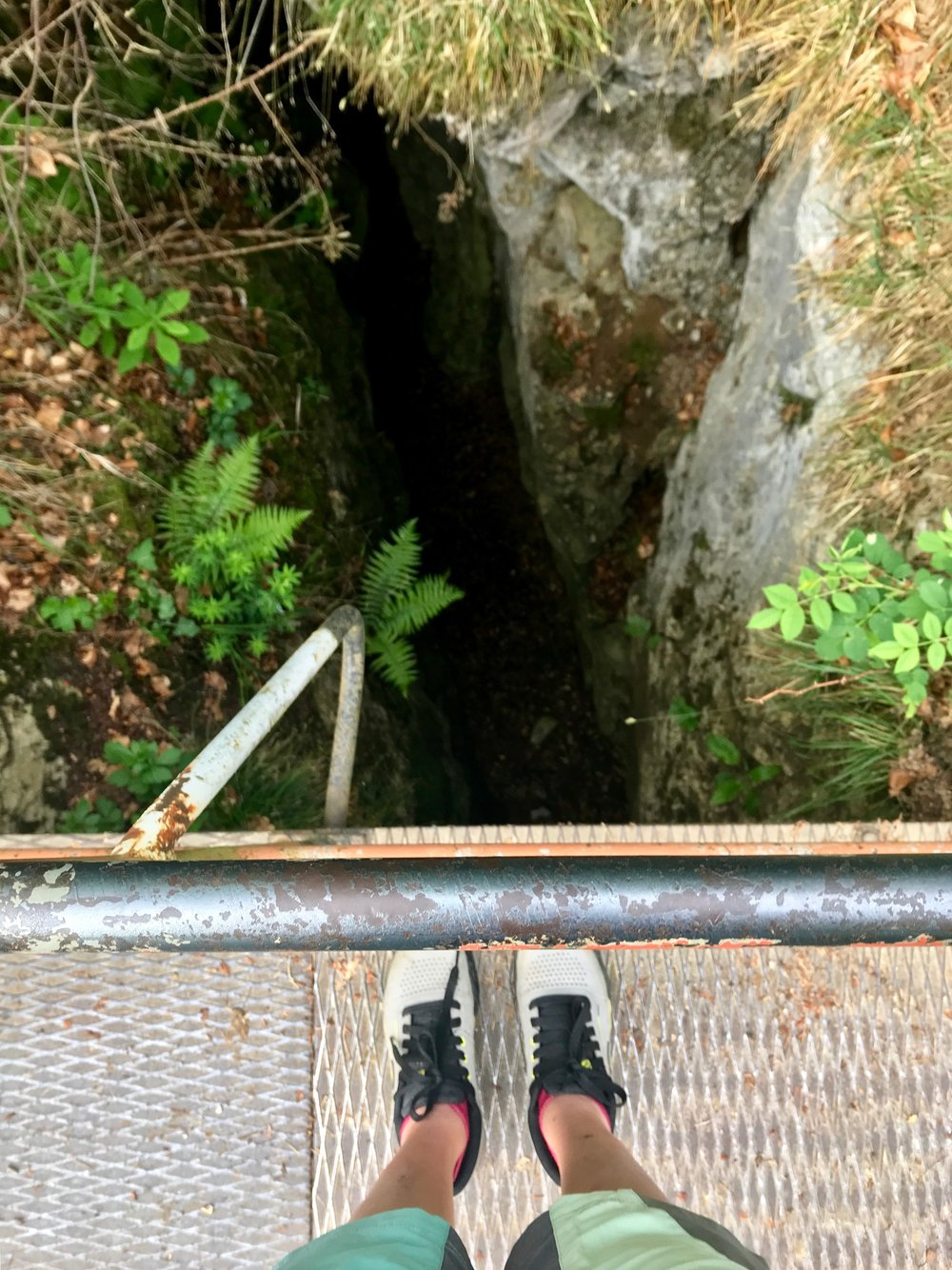 Blick in die Tiefe - 12 Meter! - vom Lügebrückle.