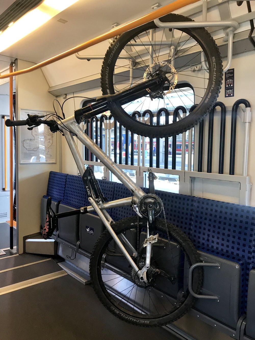 Viel Platz für mein Radl - ein Vorteil, wenn man unter der Woche unterwegs ist ;)