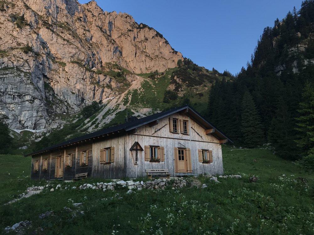 Blick von der Terrasse der Tutzinger Hütte