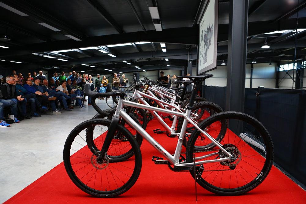 Die neuen Liteville Modelle - im Vordergrund das neue Gravel-Bike 4-ONE © Syntace