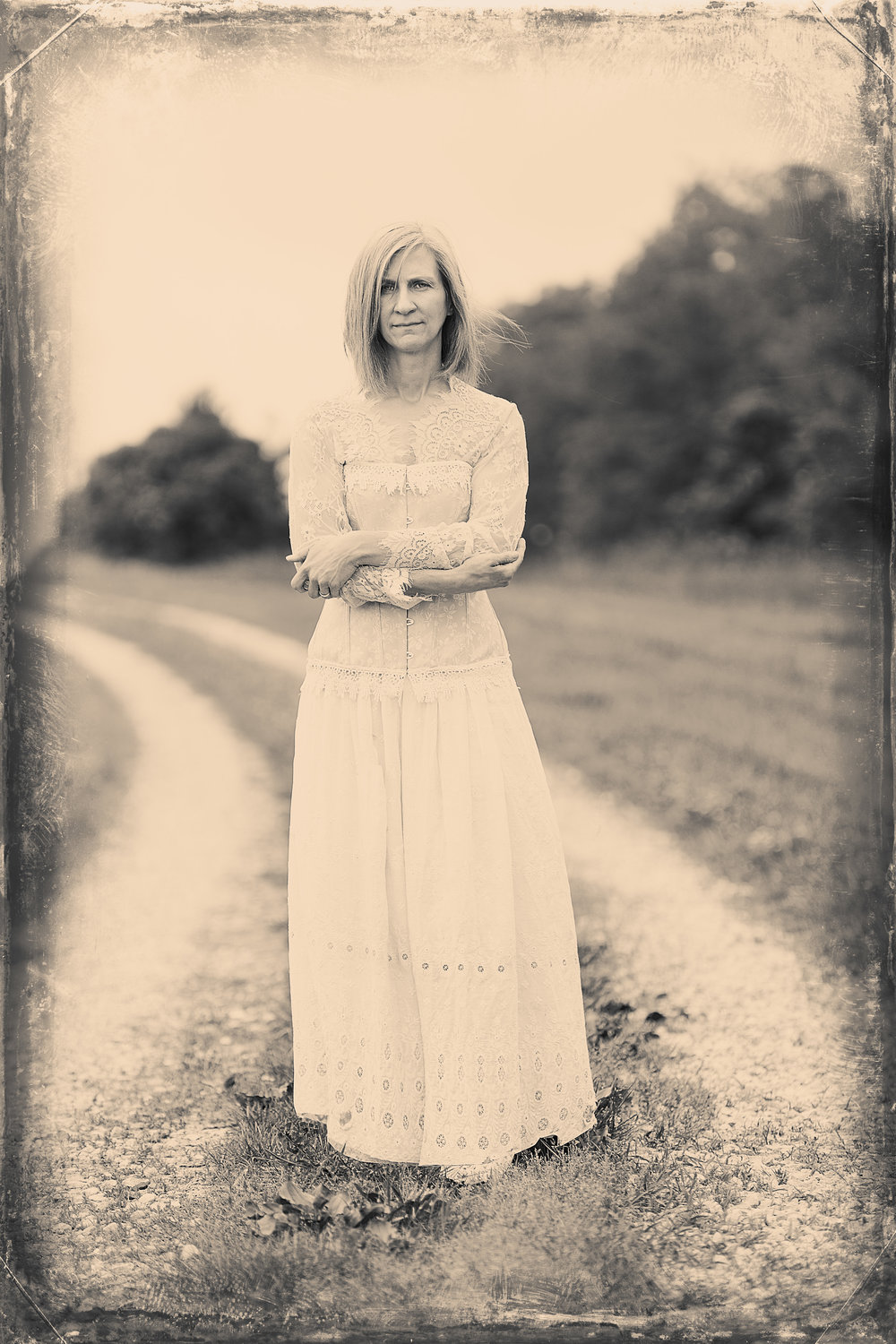 Heidi and Erin Wet Plate (3 of 3).jpg