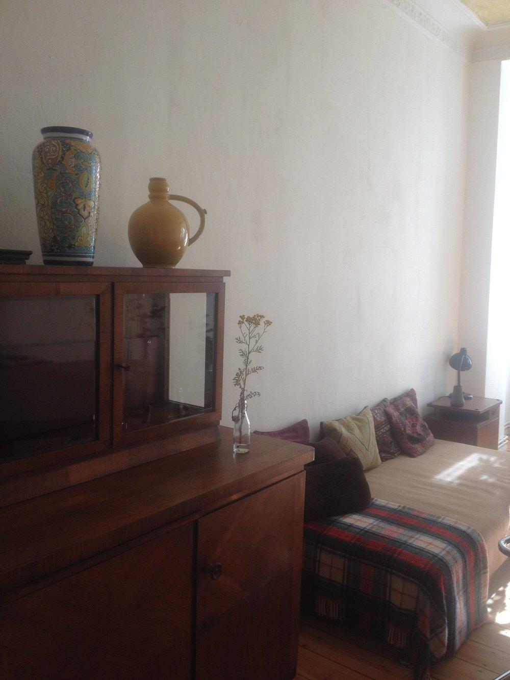 livingroombed.jpg