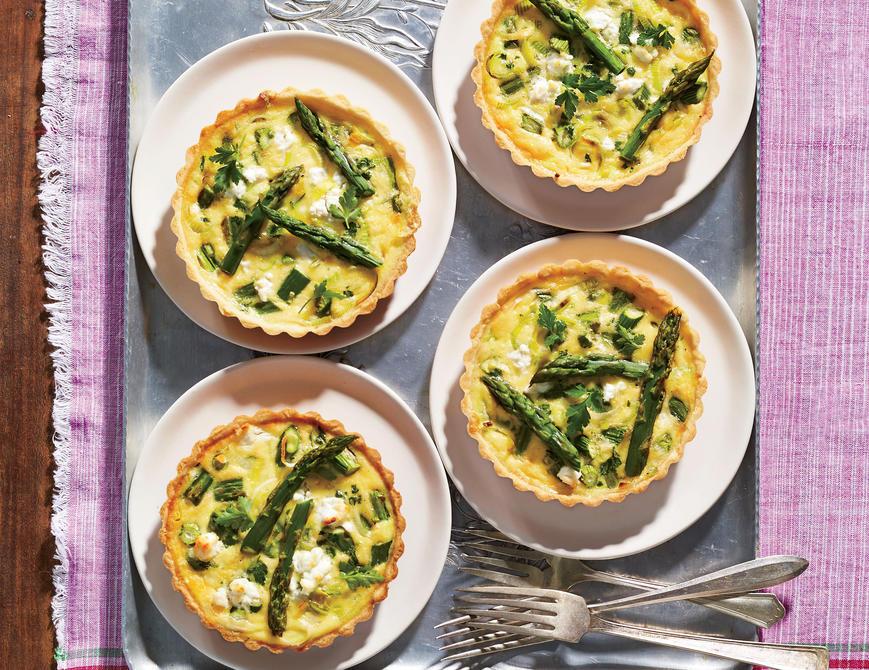 asparagus_and_goat_cheese_mini_quiches_2511001_wcibq_12586.jpg