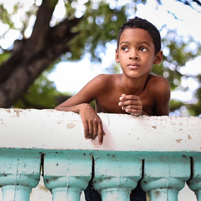We really love this portrait of a Cuban boy taken by Liza, one of our Caravan: Cuba leaders. Liza is also a professional photographer for Canon and has published 10+ books on Cuba & other places. We feel lucky to have her 😊Join her & other global leaders on our next Caravan!