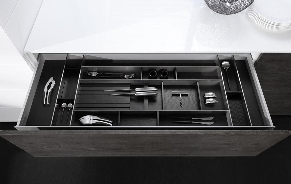 Einzigartiges Ordnungs-System und zeitloses Designobjekt: Tavinea 91