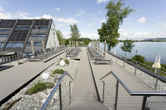 Wellness-Hotel Deltapark hat rund 500 Quadratmeter Terrassenfläche mit RELAZZO-Dielen ausgestattet.