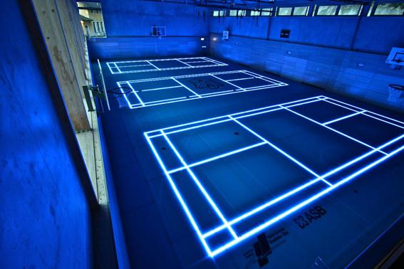 Glasboden in der Sporthalle Schule Schloss Stein