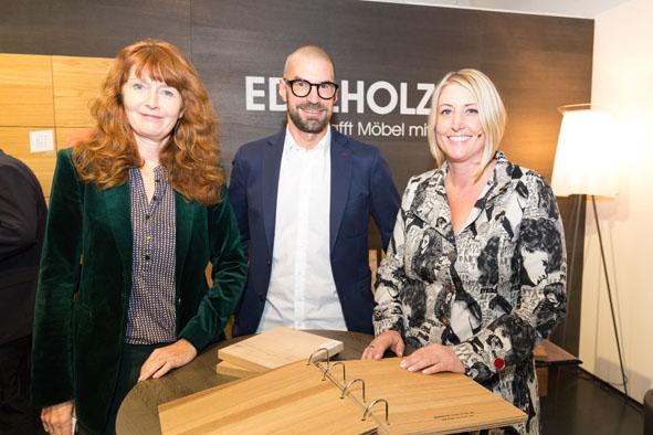Gastgeberin Katrin de Louw (rechts) mit den Referenten Oona Horx-Strathern (Zukunftsinstitut) und Hannes Bäuerle (raumPROBE)