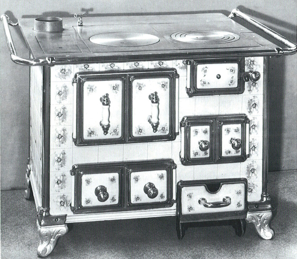 Brennstoffbetriebene Standherde vom Ende des 19. Jahrhunderts sind beliebte Dekorationen. (Foto: AMK)