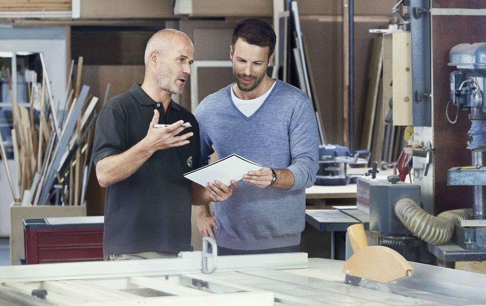 Starker Partner: Um den hohen Anforderungen des kreativen Innenausbaus gerecht zu werden, benötigen moderne Schreiner einen starken und erfahrenen Partner wie REHAU.