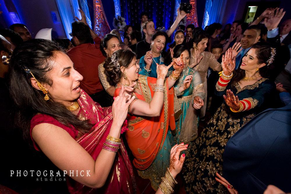 PriyankaAndKaran-2100.jpg