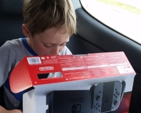 Aksel sold 80% of his toys and stuff to buy a Nintendo switch. Win - Win for purging!