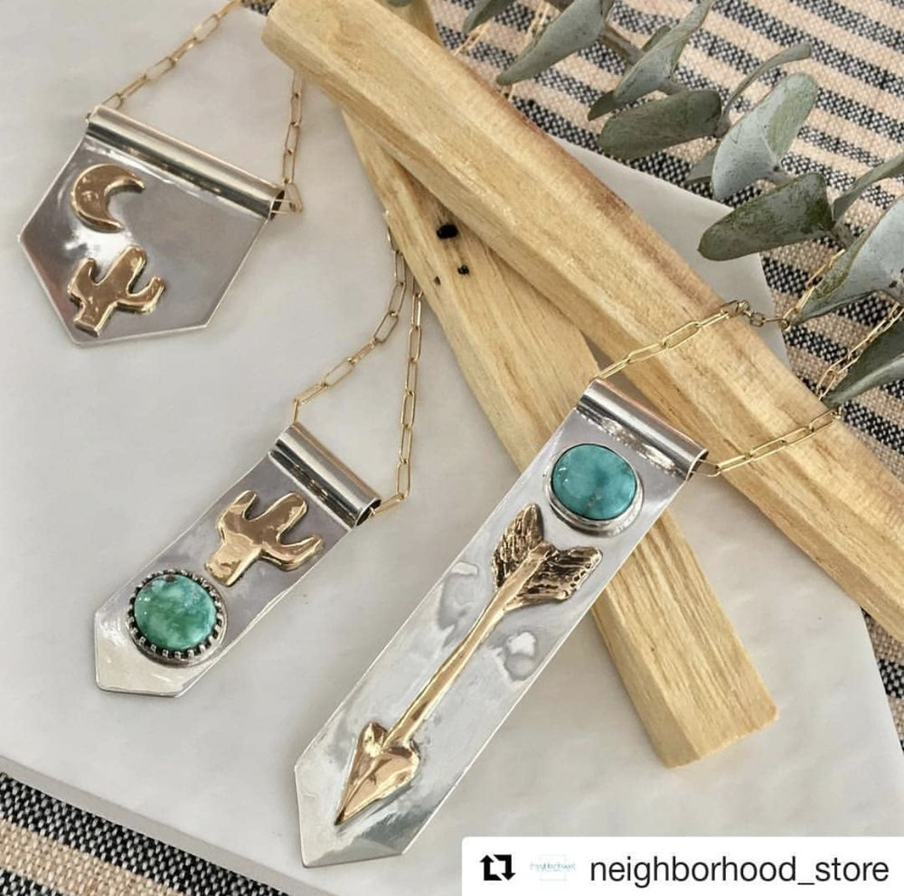Valerie Morgan Designs' handcrafted jewelry pieces are inspired by the organic beauty of nature, many are cast from real natural objects & feature natural gemstones. All pieces are made & strung by hand.  @valeriemorgandesigns