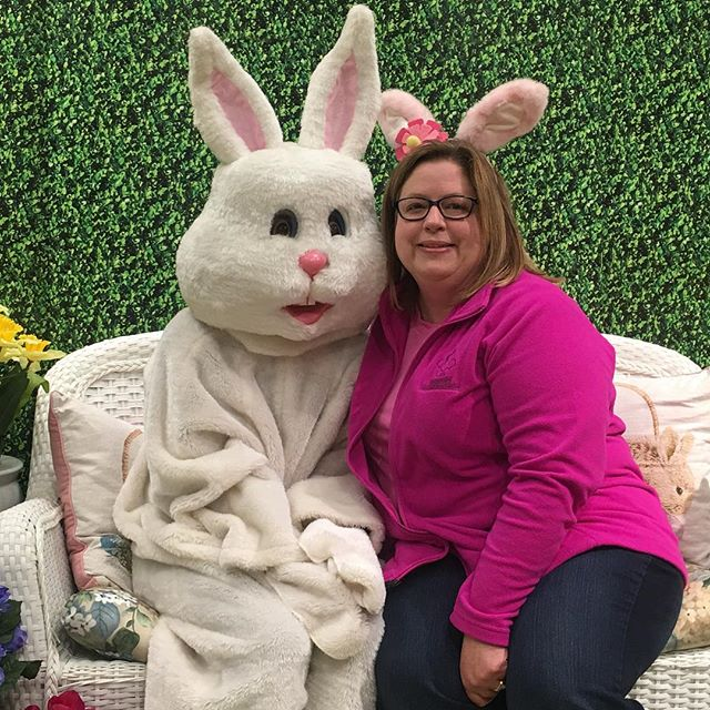 Bunny photos at Boscovs! Cute setting and lots of free gifts! Today 11-3