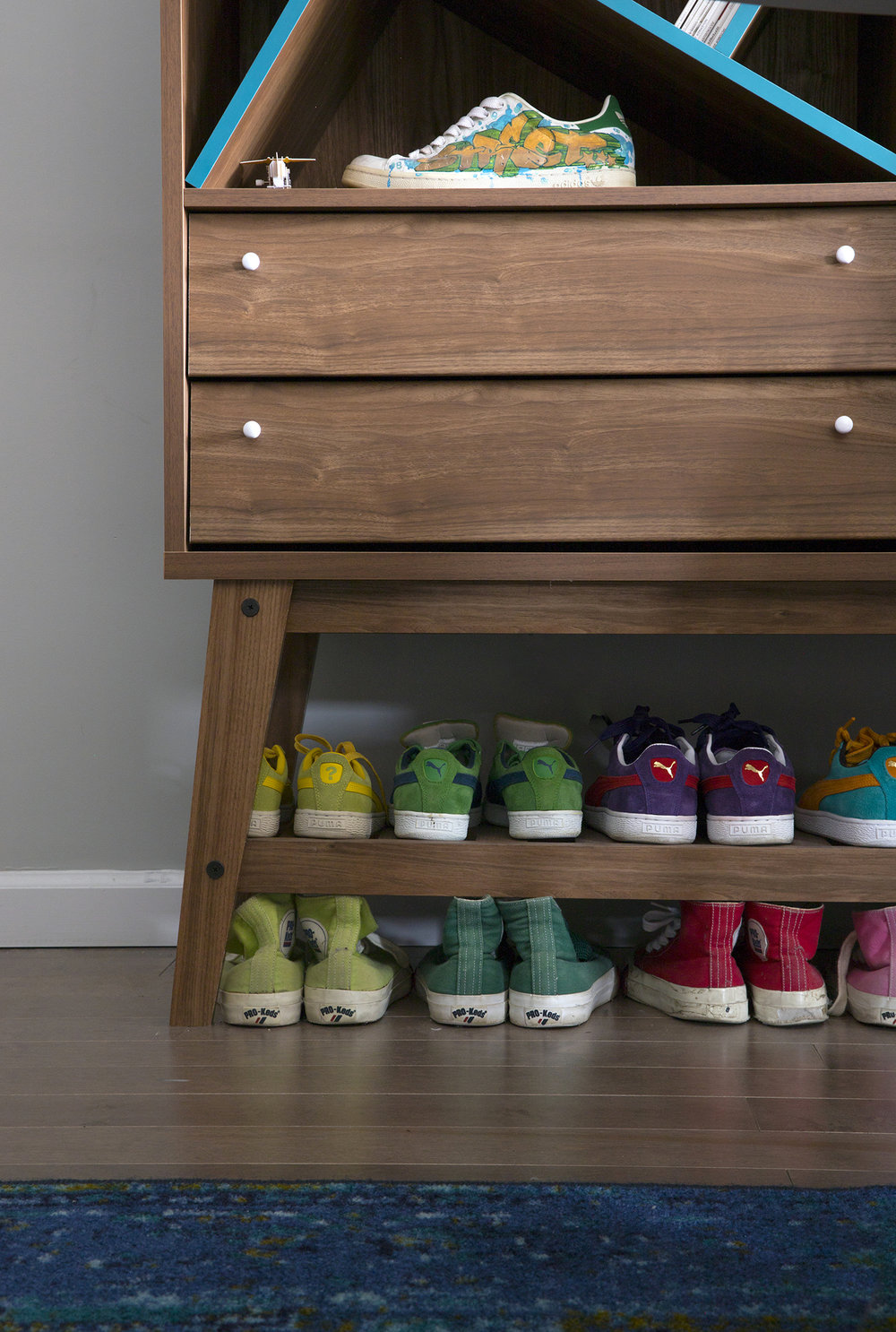 vintage sneakers design decor.jpg