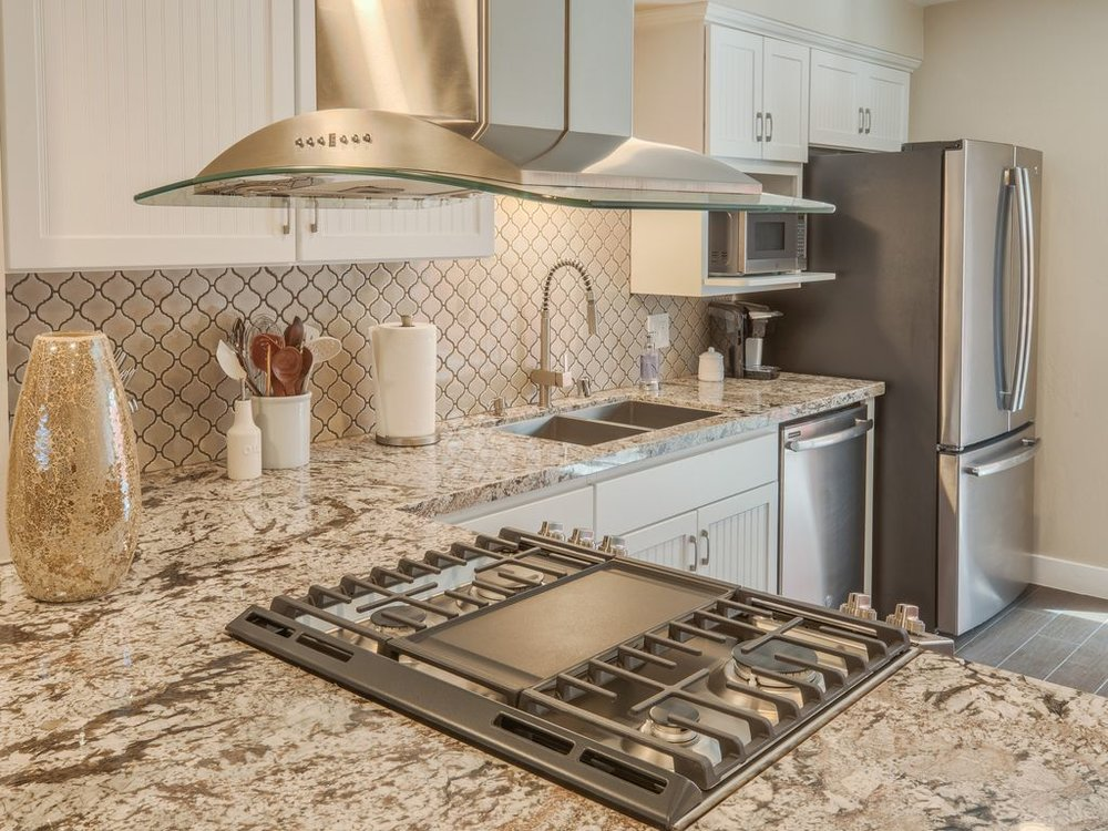 ach Unit comes fully furnished with brand new furnishings, and amenities, and the highest of quality linens and cookware. - pismo beach • stimson D