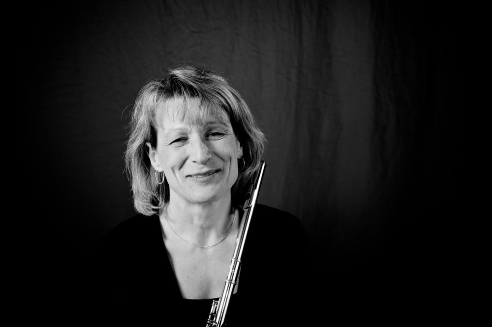 Lucie Jones - To learn more about Lucie, or to inquire about lessons or The Chamber Flutes, please click here.(m) 403-968-3853 | (e) info@luciefjones.com | (w) https://www.luciefjones.com/