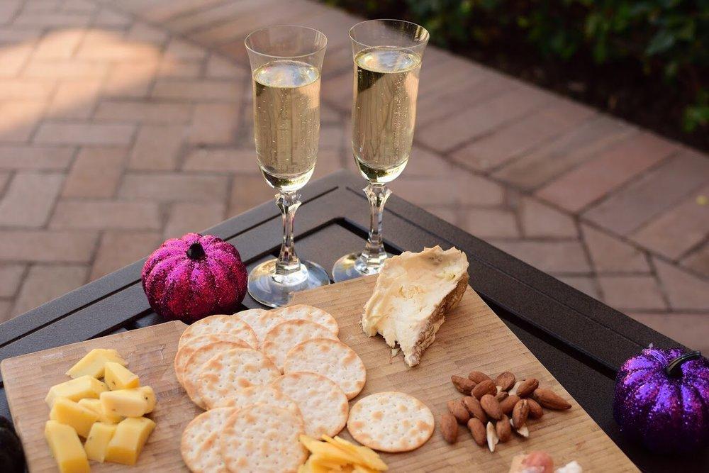 IMG_4571-champagne halloween.jpg