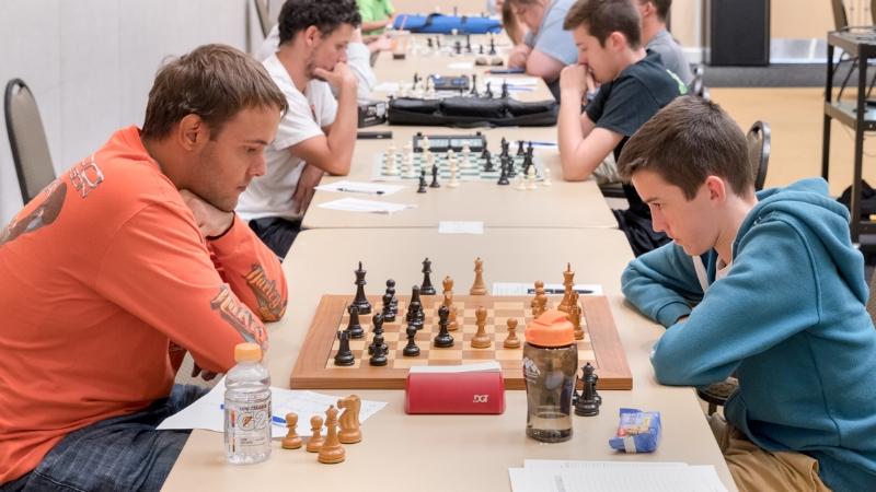 Board 1 round 3: martin hansen (L; Q2120)theo slade (R; Q1987).