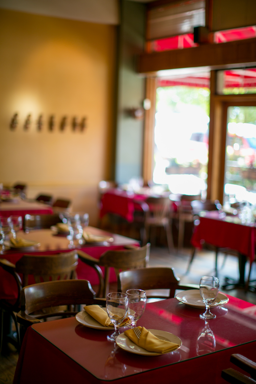 restaurant dinning room