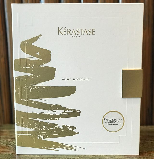 Our #kerastase holiday gift boxes are finally here!! Give the gift of giving or just treat yo self! . . . . #beautybarmaui #kerastase #happyholidays