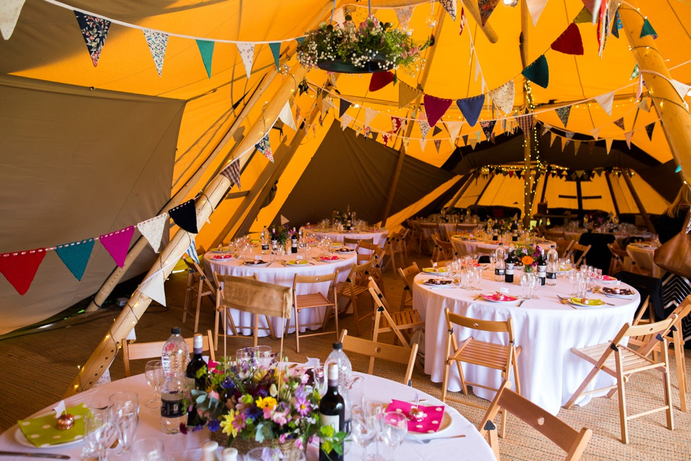 north-yorkshire-tipi-festival-wedding