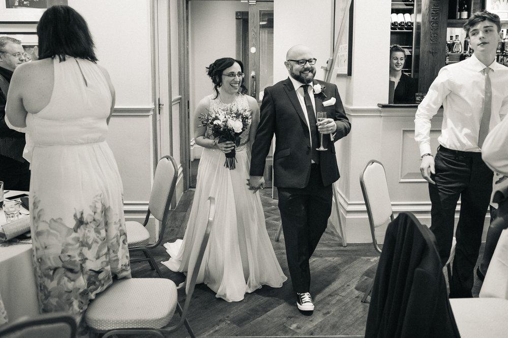 manchester-wedding-photographer-city-wedding-0043.jpg