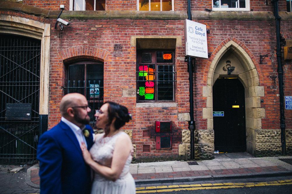 manchester-wedding-photographer-city-wedding-0068.jpg