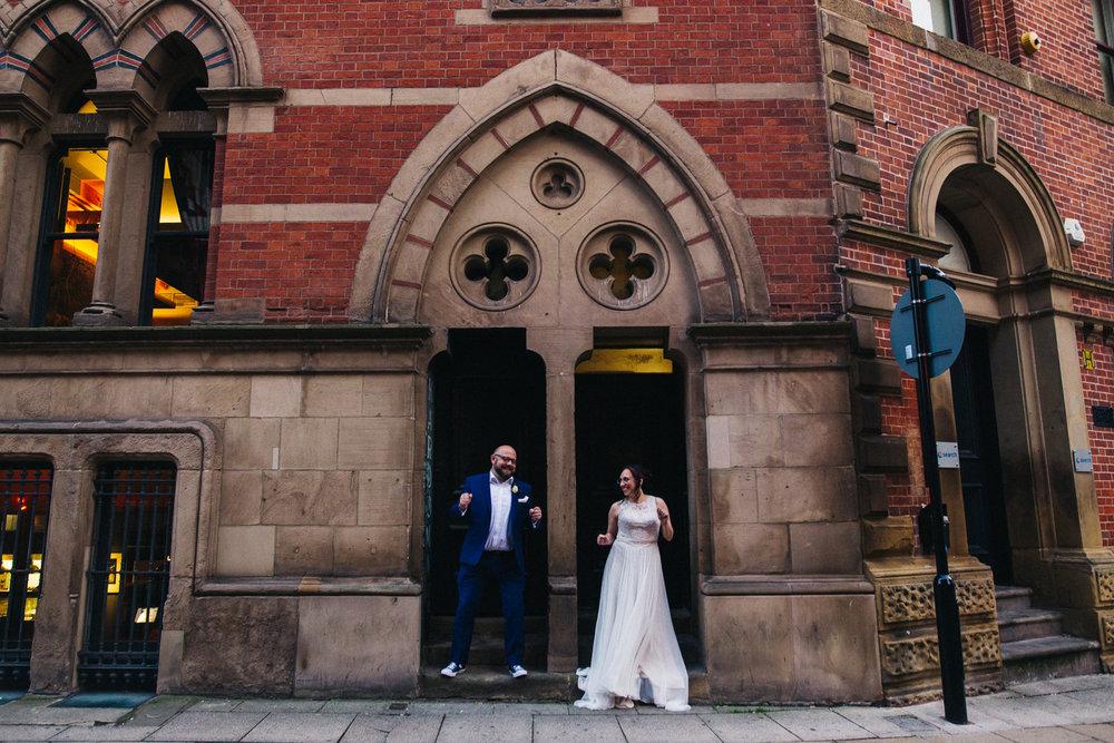 manchester-wedding-photographer-city-wedding-0069.jpg