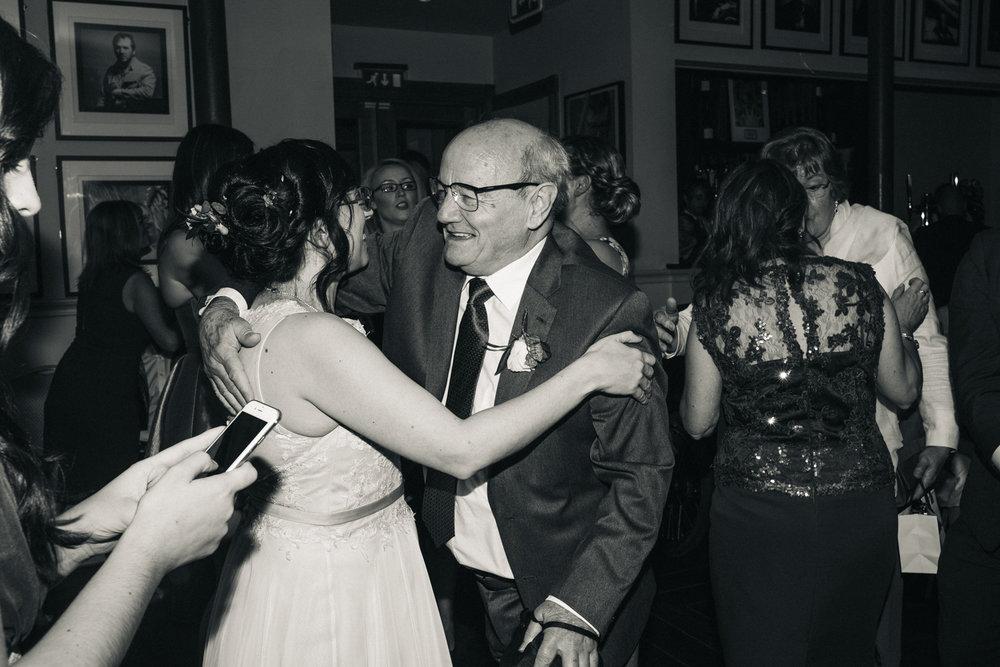 manchester-wedding-photographer-city-wedding-0078.jpg