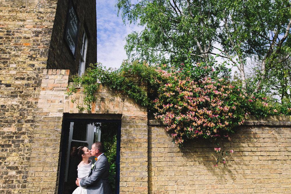 the-poets-house-ely-cambridge-wedding-0021.jpg