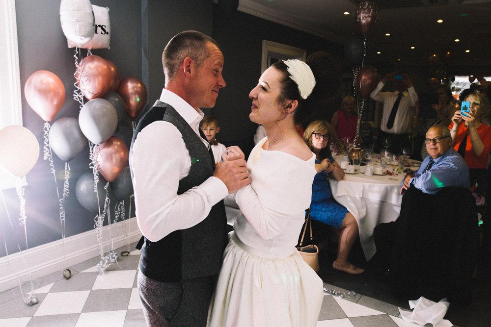 the-poets-house-ely-cambridge-wedding-0031.jpg