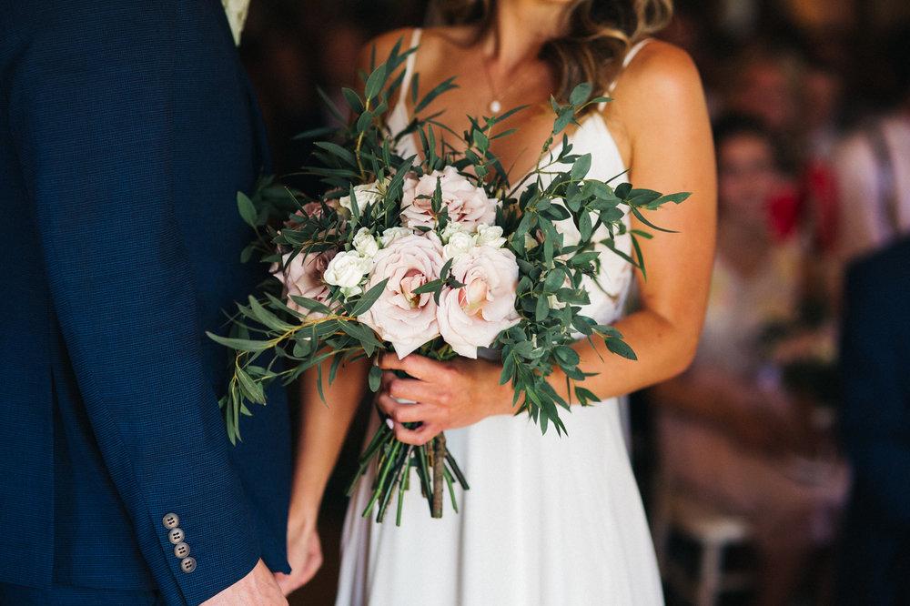sandhole-oak-barn-wedding-cheshire-congelton-wedding-photographer-north-west-0011.jpg
