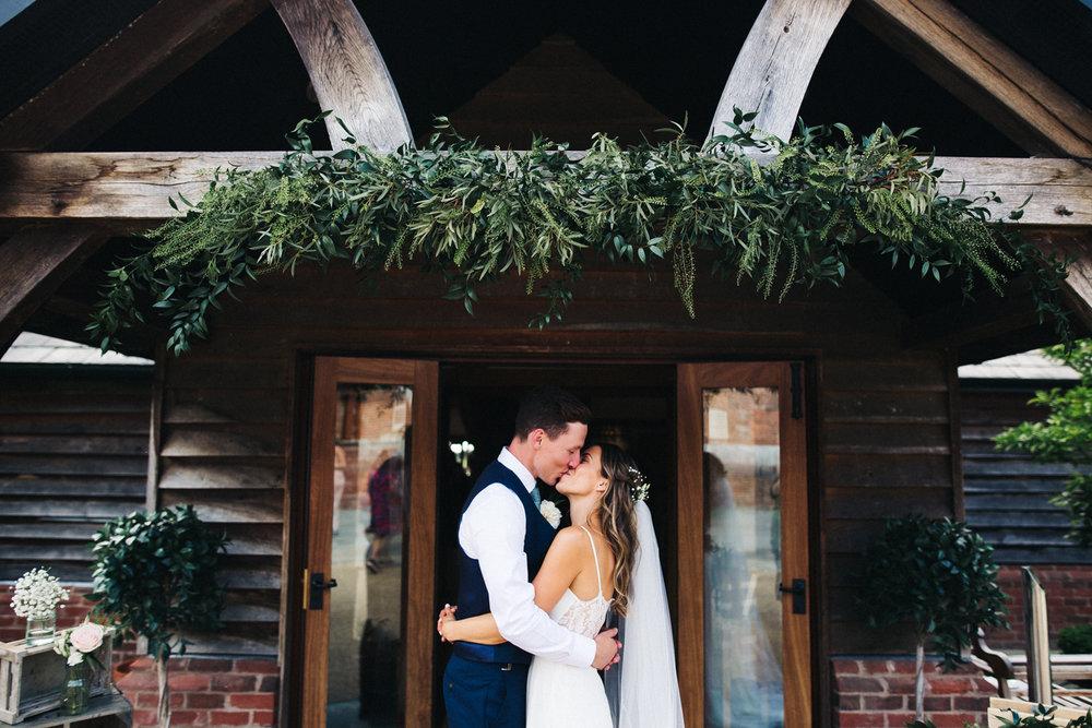 sandhole-oak-barn-wedding-cheshire-congelton-wedding-photographer-north-west-0030.jpg
